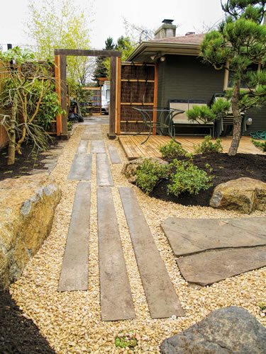 Zen japanese courtyard garden courtyard garden design for Courtyard stone and landscape